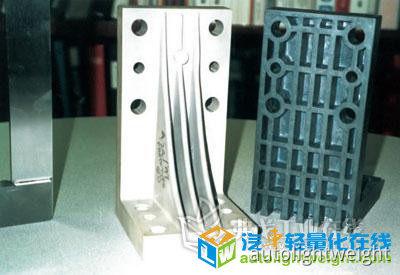 柔性、高效的白车身焊接夹具